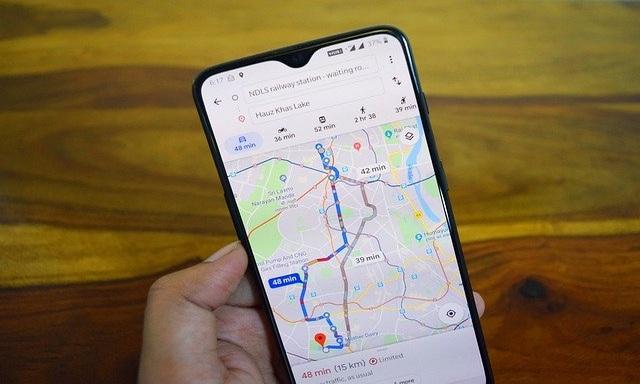 Voici comment ajouter des routes manquantes sur Google Maps